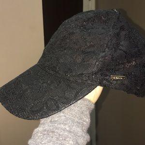 BeBe black hat